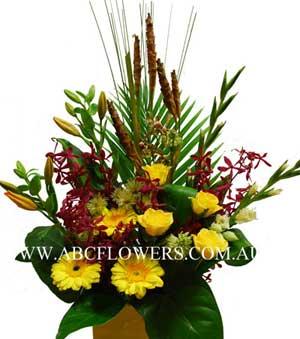 ABC Flowers St. Vincent's Hospital Melbourne Deliver A022 Flower Box Arrangement Melbourne Wide Free Delivery Melbourne Suburbs