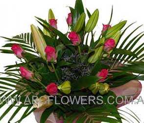 ABC Flowers fitzroy melbourne deliver b016 bouquet of oriental lilies and roses melbourne wide free delivery melbourne inner suburbs 7 days a week