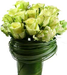 ABC Flowers st. vincent's hospital fitzroy melbourne deliver v004 rose in a vase 7 days a week melbourne wide free delivery all melbourne inner suburbs