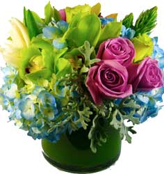 ABC Flowers st. vincent's hospital melbourne deliver v012 jude mix of roses hydrangea lilies orchids and other seasonal flowers melbourne wide 7 days a week free delivery melbourne inner suburbs